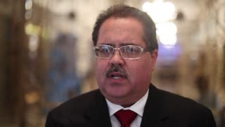 José Luis Dalmau pide tiempo para las peleas de gallos