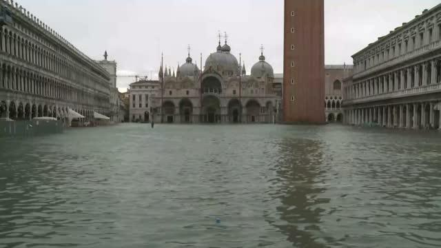 Cierra la Plaza San Marcos de Venecia por inundación total - El Nuevo Dia.com