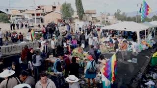Jeanine Áñez enfrenta pedidos de dimisión entre manifestaciones en Bolivia