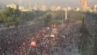 Chile, persiste la lucha a un mes de estallar la crisis