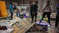 Manifestantes siguen atrincherados en Universidad Politécnica de Hong Kong