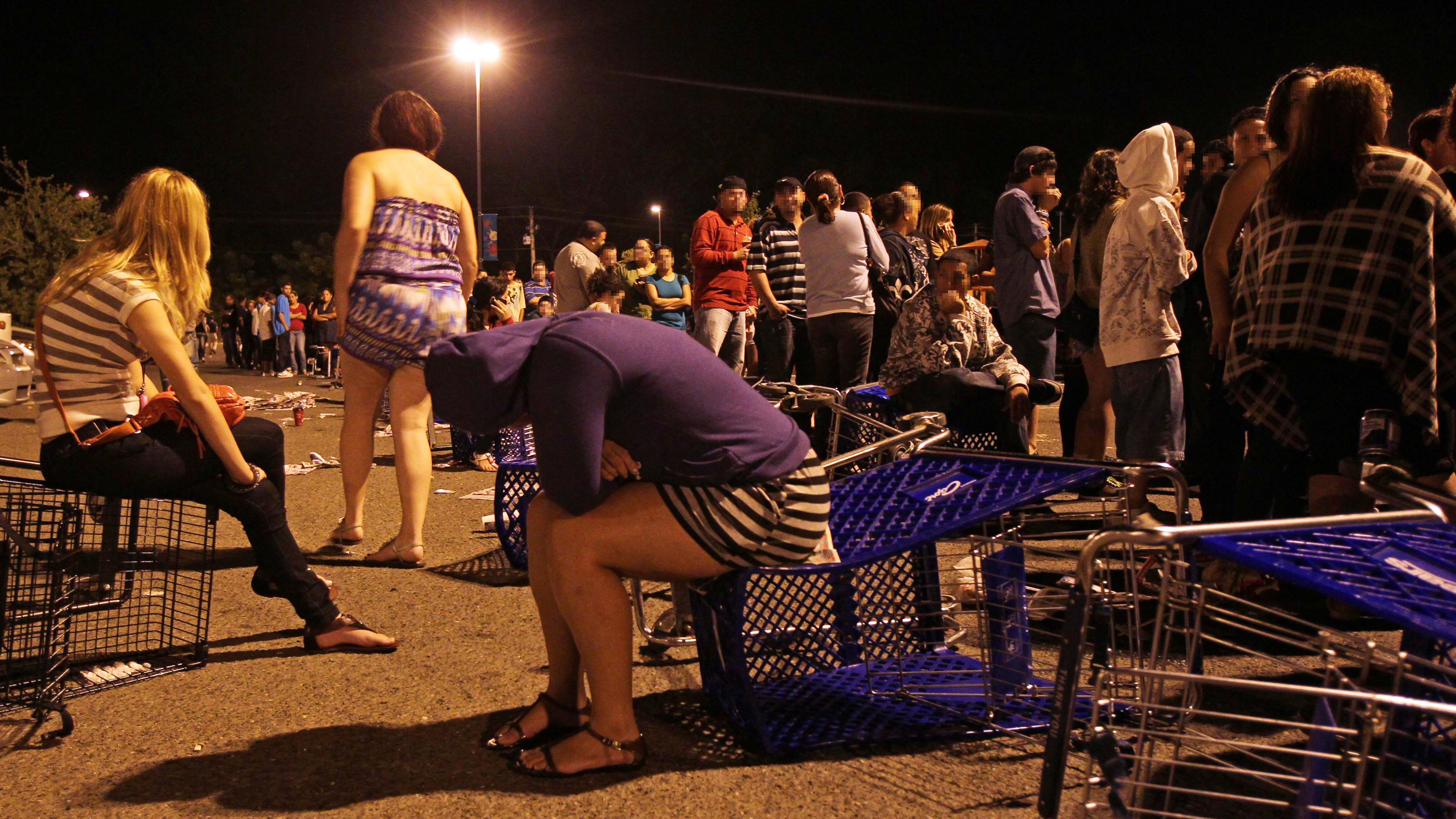 Las filas y los empujones que marcaron el Black Friday en Puerto Rico