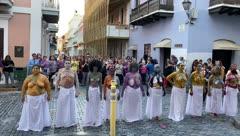 Musas Desprovistas llevan su reclamo a La Fortaleza
