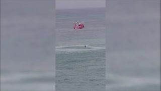 Dramático rescate de dos hombres en kayak cerca de la playa de Ocean Park