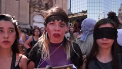 """""""El violador eres tú"""", el potente mensaje feminista de Chile se extiende al mundo"""