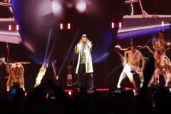 """""""El rey está de vuelta"""", así regresó Daddy Yankee al Choliseo tras 12 años de ausencia"""