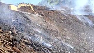 Incendio lleva más de una semana consumiendo una finca en Cayey