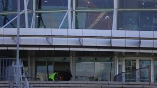 Fanático llega al Coliseo de Puerto Rico en busca de taquillas para Daddy Yankee
