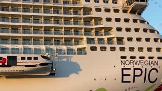 Pasajeros esperan horas por abordar el Epic del Norwegian Cruise Line