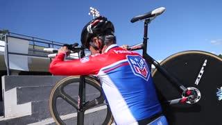 Este es el ciclista puertorriqueño de 71 años con voluntad de acero