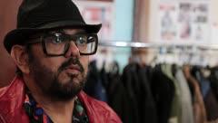 Eddie Guerrero se estrena como vestuarista de cine