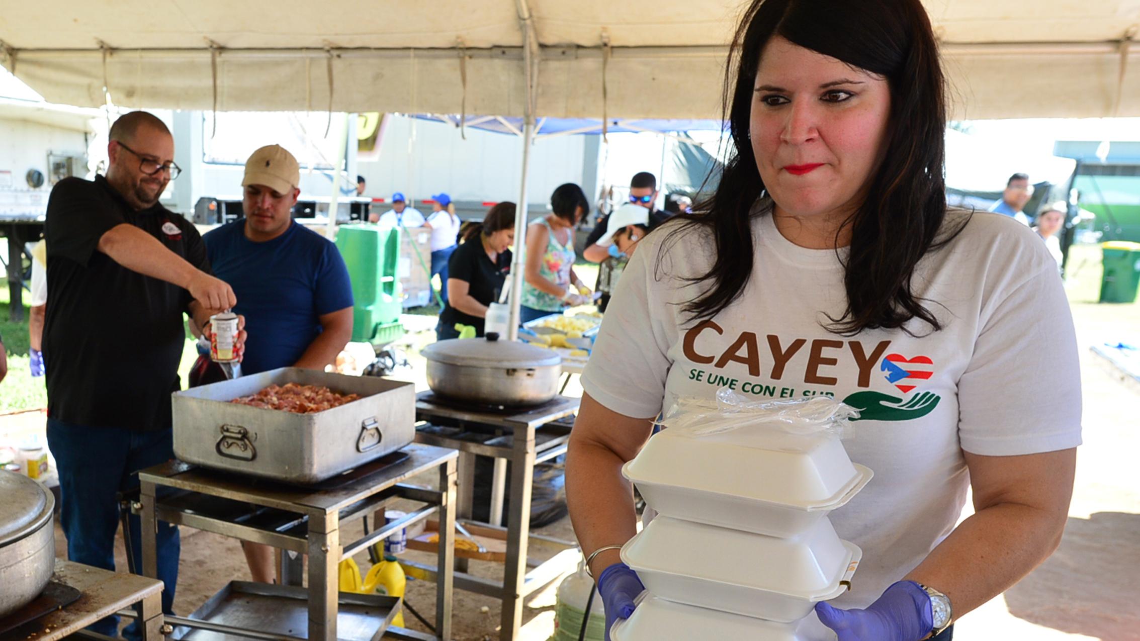 La gente de Cayey da la mano a Guayanilla