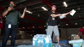 Ciudadanos entraron a la fuerza a almacén lleno de suministros