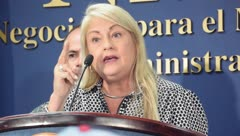 Wanda Vázquez despide a los secretarios de Familia y Vivienda