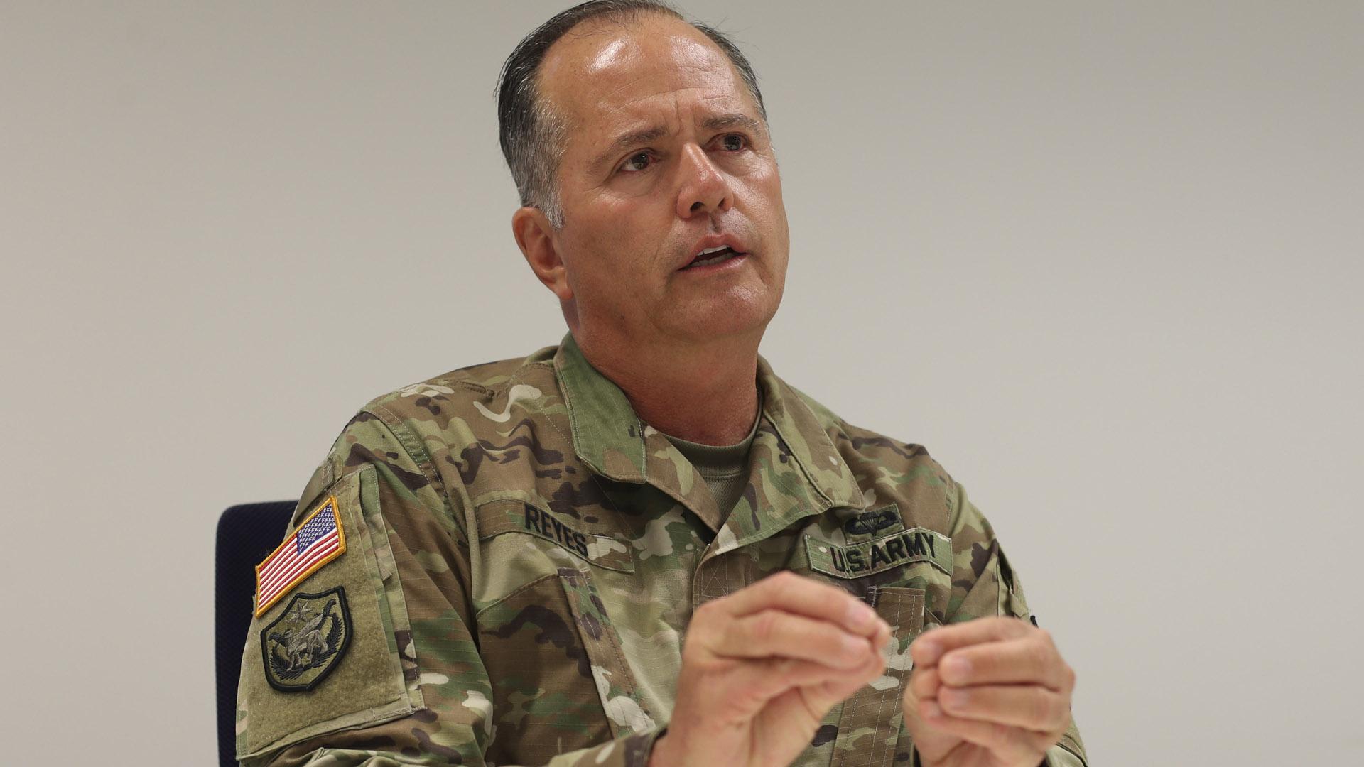 El general José Reyes informa el estado de los suministros en Ponce