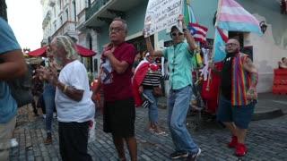 Manifestantes van por segundo día hasta La Fortaleza para protestar por suministros