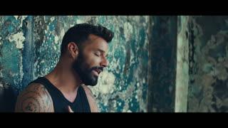 """En primicia, vistazo al nuevo vídeo de Ricky Martin """"Tiburones"""""""
