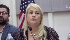 Gobernadora explica la asistencia para desempleados por el terremoto