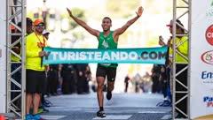 Cristéliz Colón y Antonio Cardona se destacan en el Medio Maratón San Blas