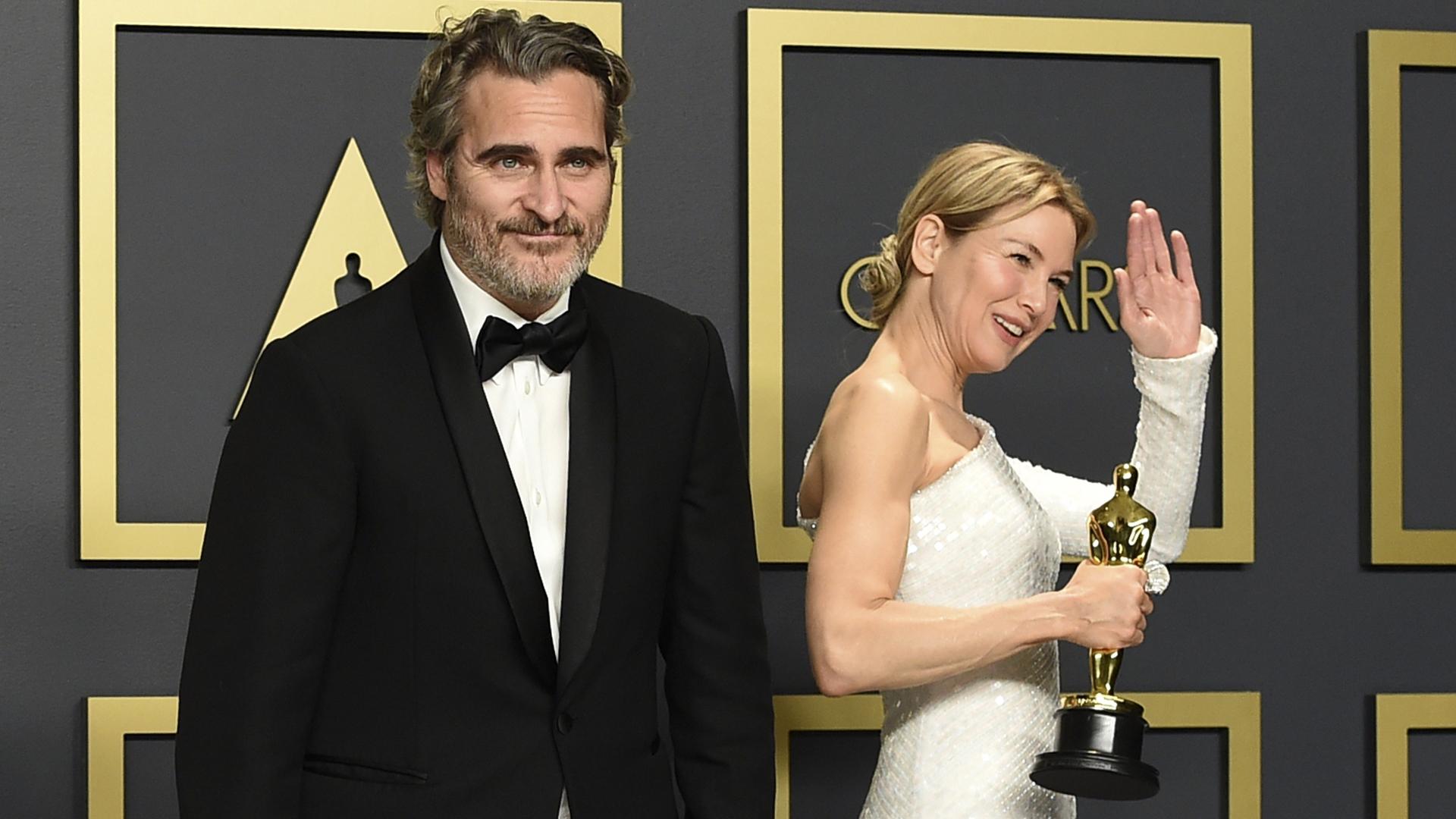 """Renée Zellweger y Joaquin Phoenix, """"reyes"""" de los Oscar 2020"""