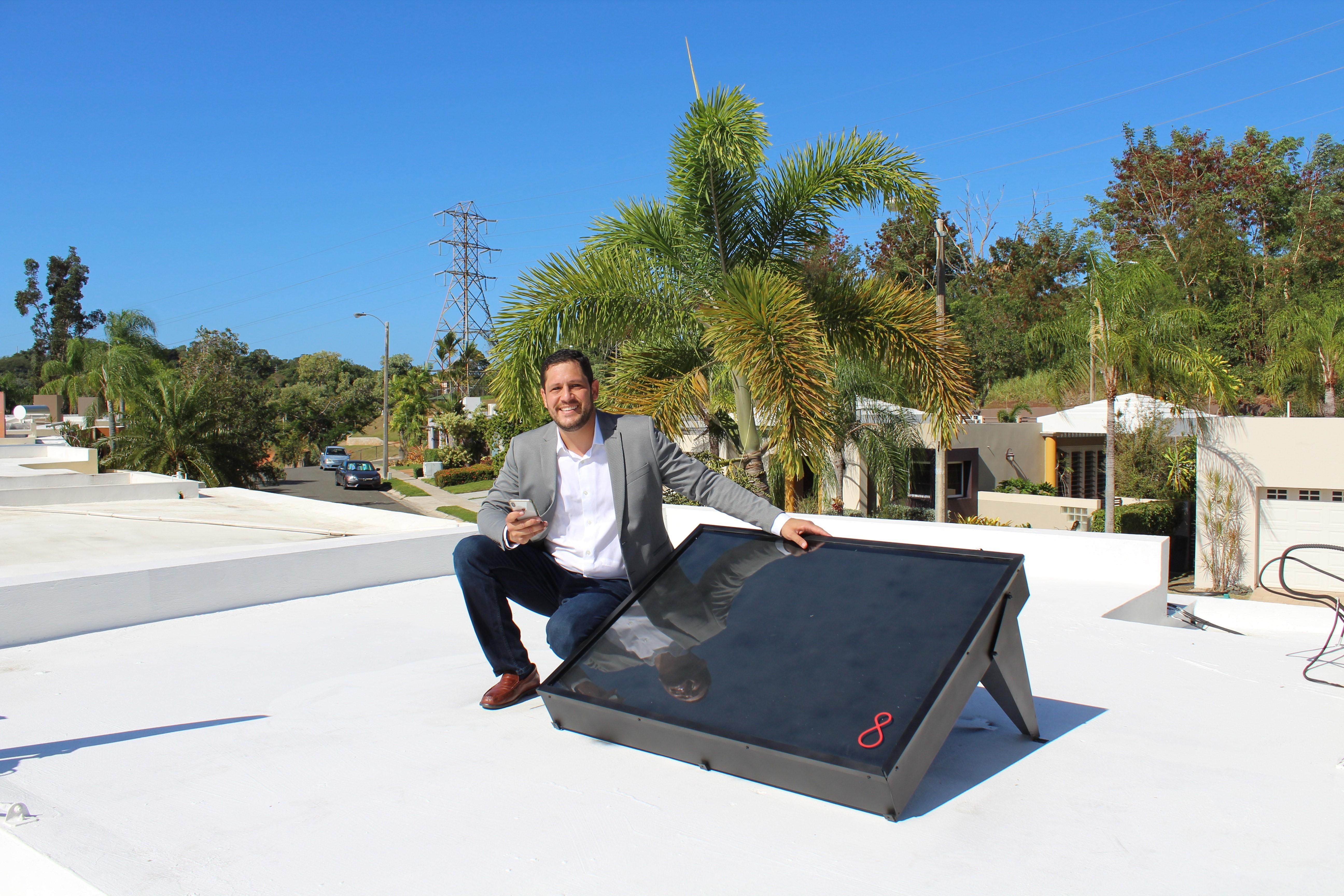 Puertorriqueños reinventan el calentador solar