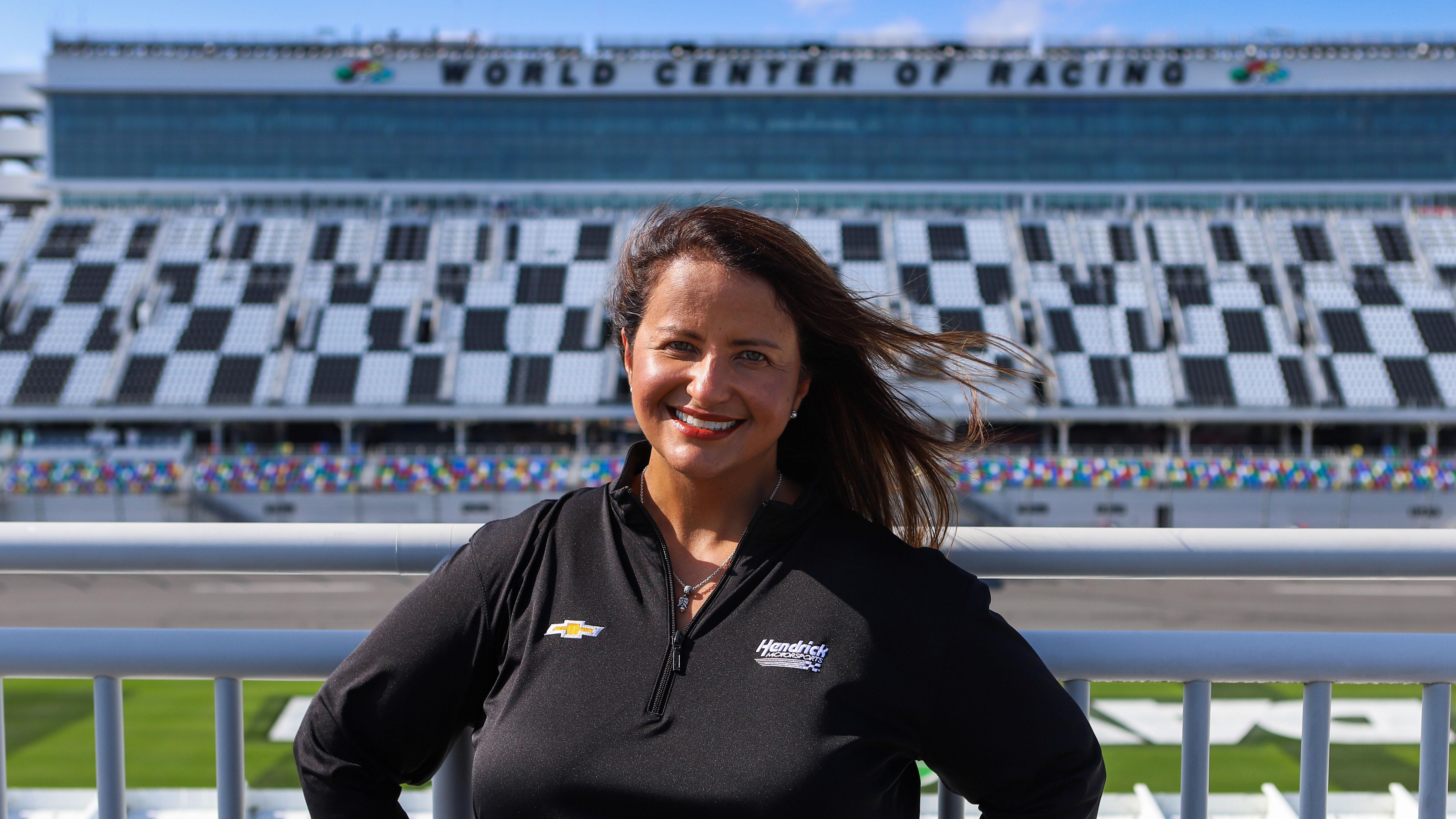 Alba Colón, boricua detrás de las victorias de Hendrick Motorsports en NASCAR