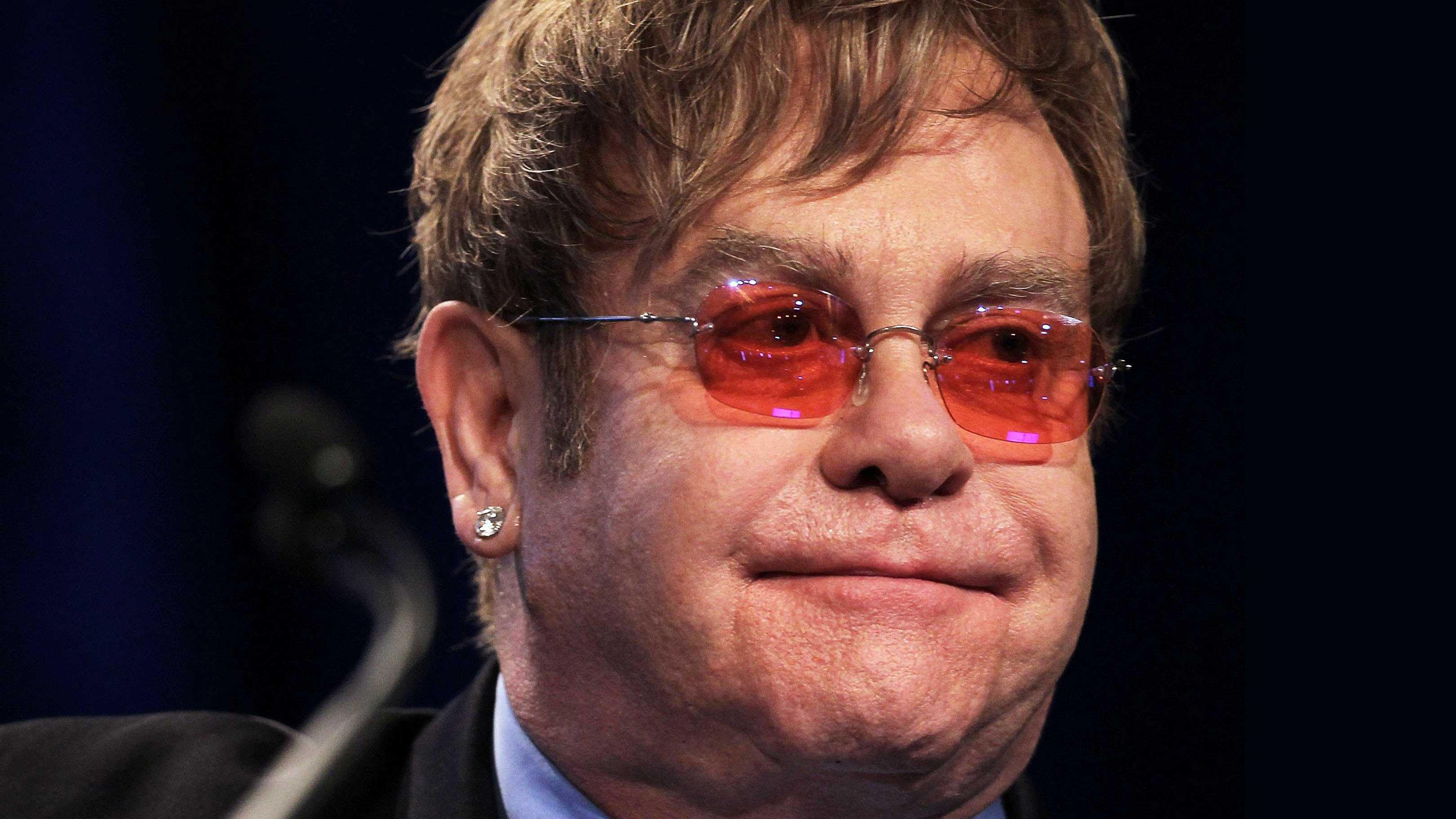 """Elton John: """"No puedo cantar. He perdido la voz por completo"""""""