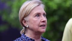 """Hillary Clinton: """"No hay nada normal en cómo esta administración está tratando a Puerto Rico"""""""