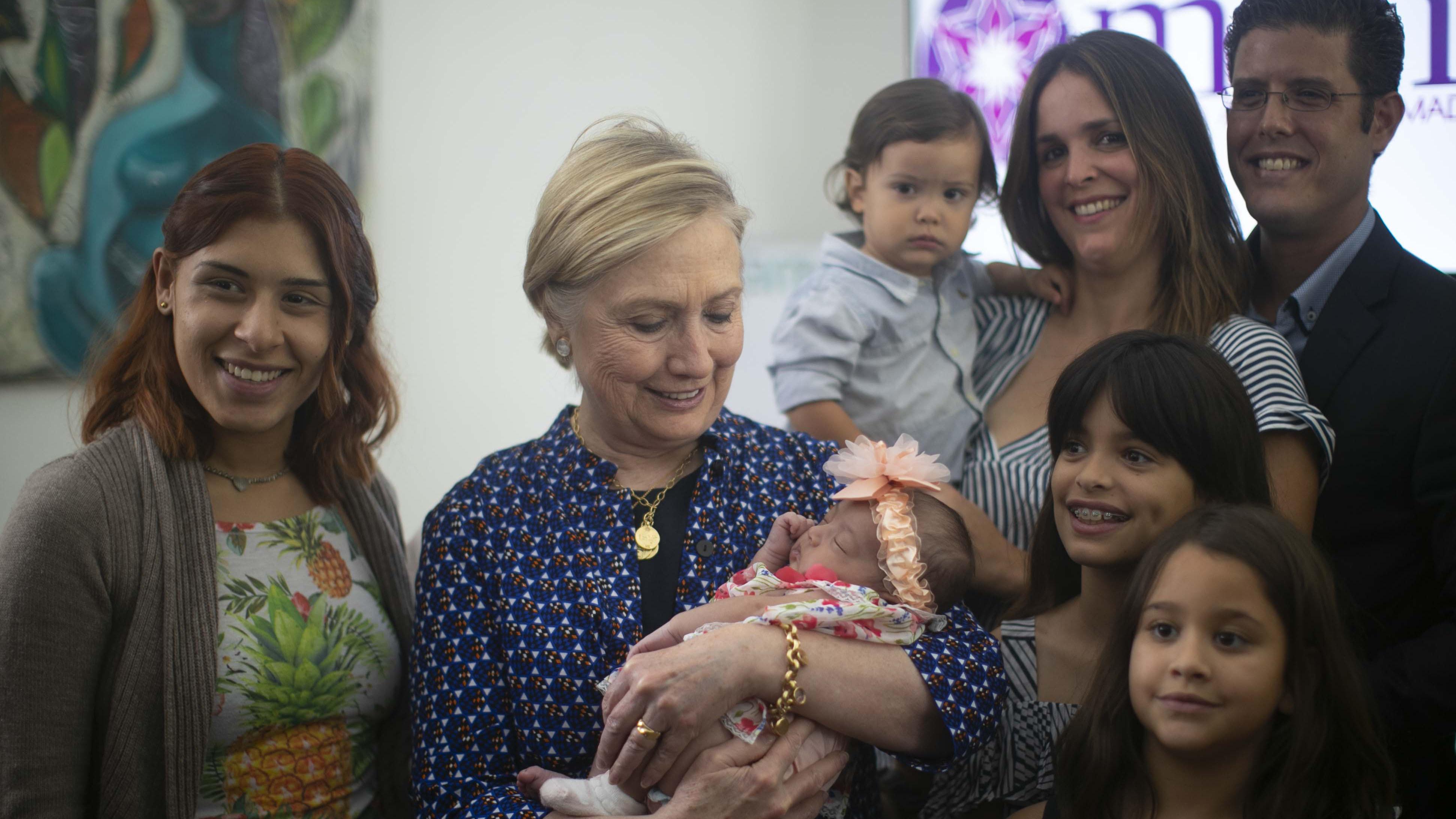 Hillary Clinton respalda a las madres puertorriqueñas
