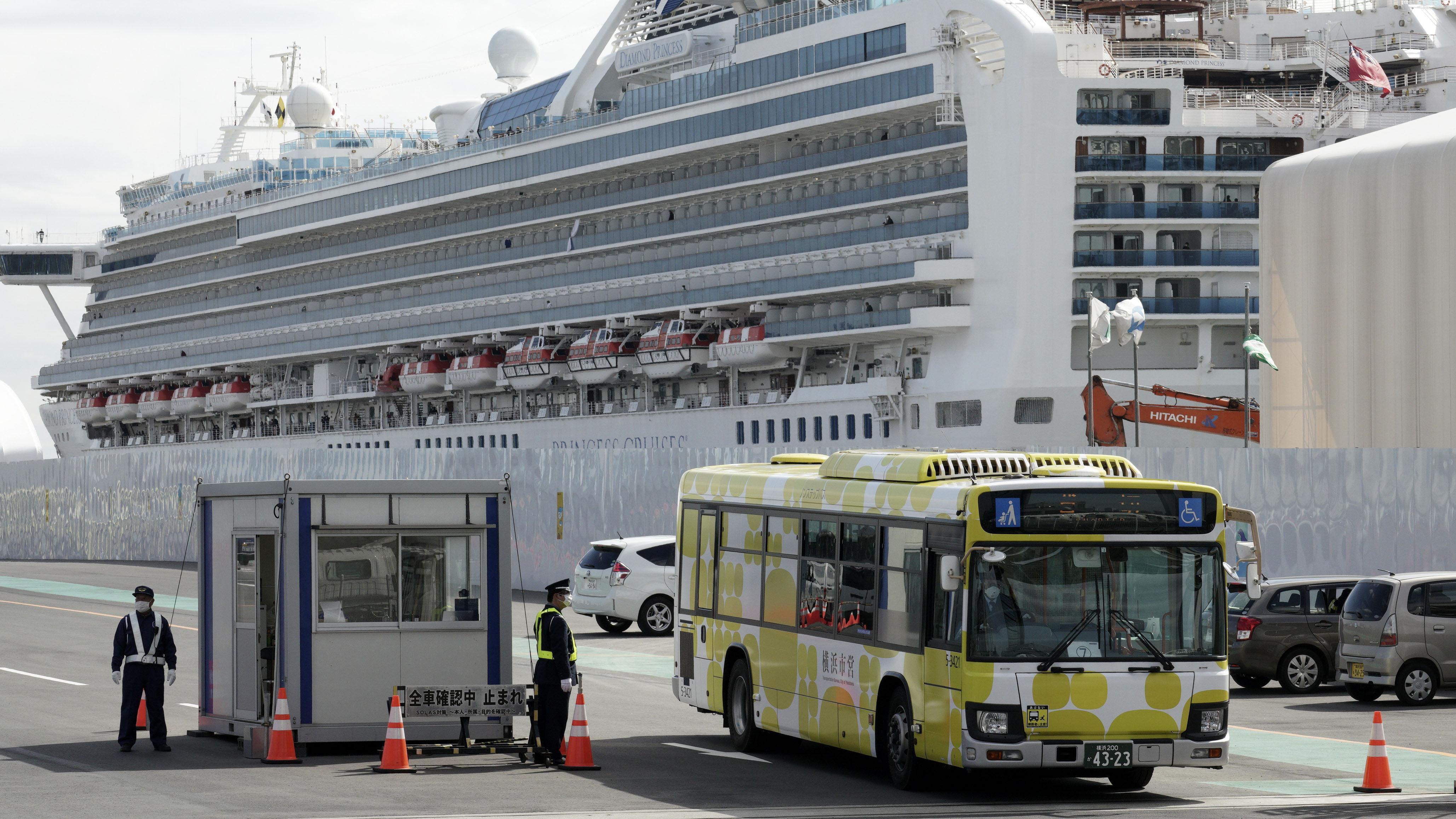 Pasajero narra su odisea dentro de crucero infectado con coronavirus