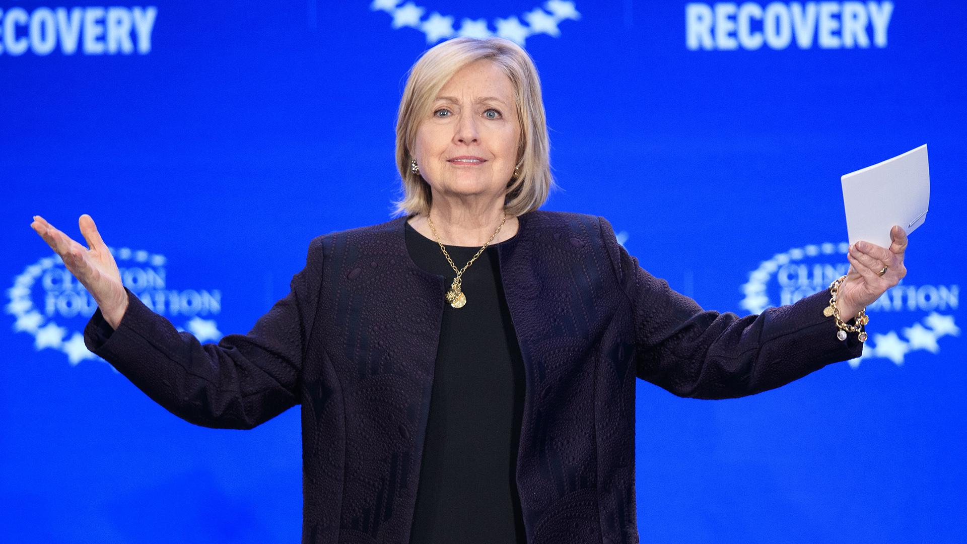 Hillary Clinton conversa sobre la reconstrucción de Puerto Rico