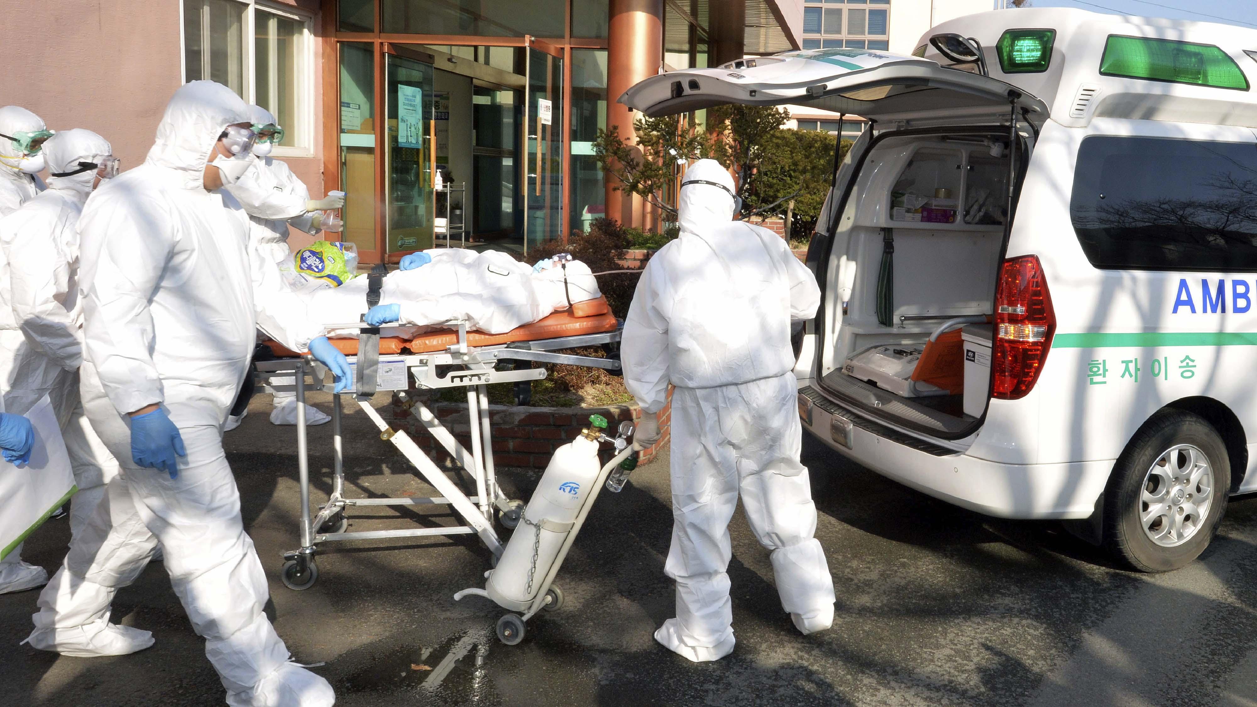 """""""Extraordinarios sacrificios"""" en China ante el coronavirus"""