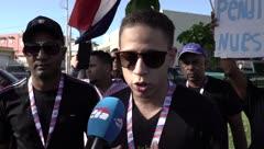 """Marchan """"en defensa de la democracia del pueblo dominicano"""""""