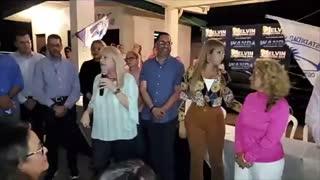 """Wanda Vázquez dice que no pelea con Donald Trump """"porque ese es el que firma los cheques"""""""