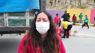 Bolivianos cambian sus hábitos de compra para conseguir alimentos bajo cuarentena