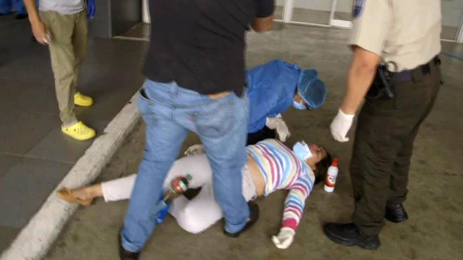 """Sufre Guayaquil: """"Esperan que se mueran para atenderlos"""""""