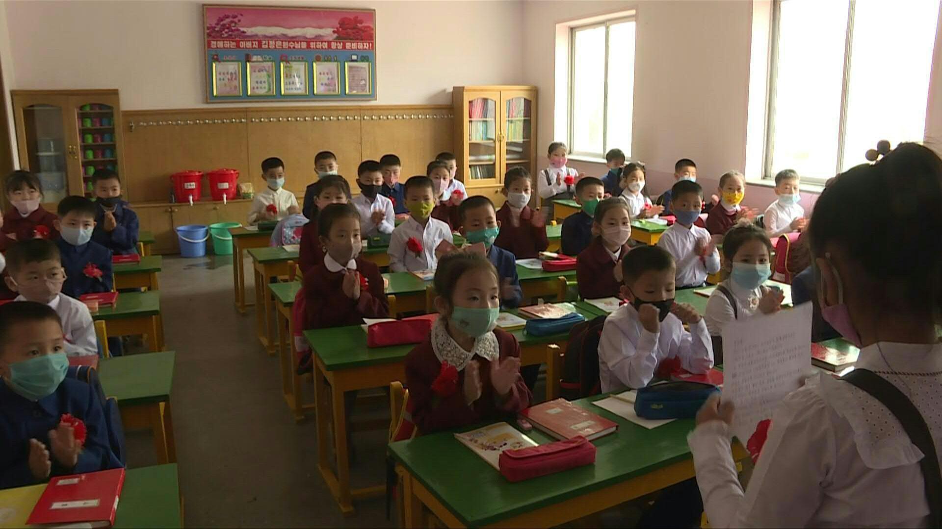 Mira cómo los niños volvieron a clases en Corea del Norte