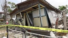 Vecinos no salen del asombro por casa colapsada en Lajas