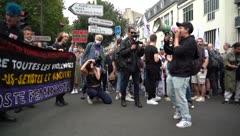 Acuden miles a marcha del Orgullo Gay en París