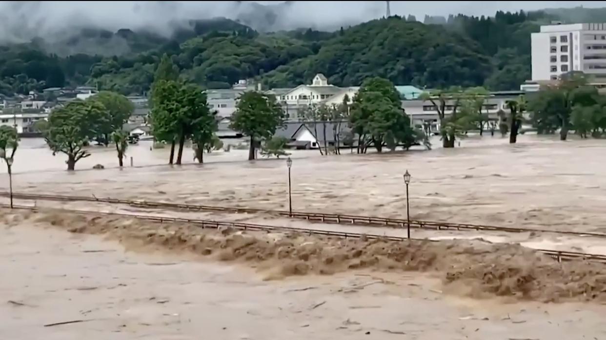 Catástrofe en Japón: se impone la furia del agua
