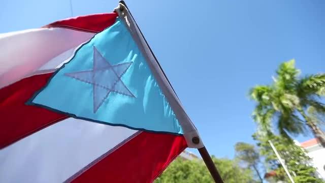 Cu l es el azul de la bandera puertorrique a - Cual es el color anil ...