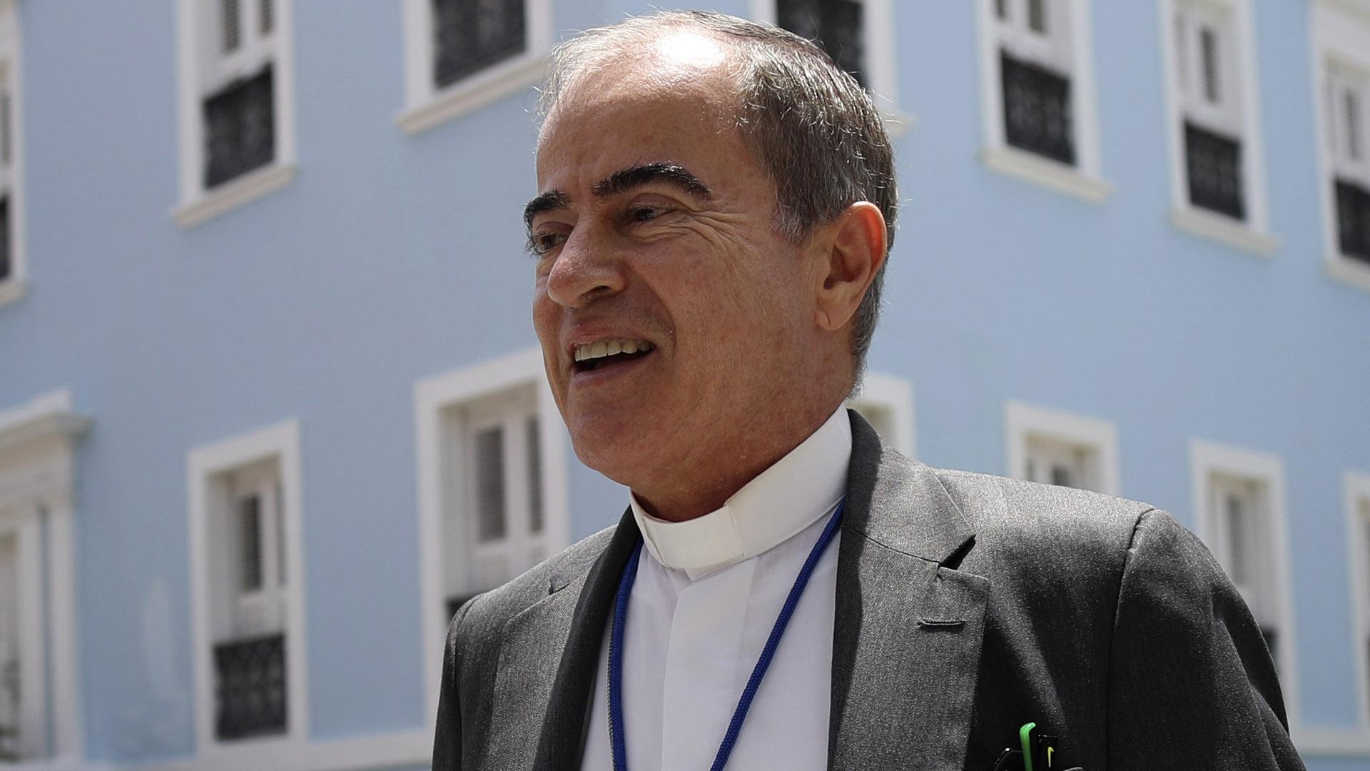 """Wanda Vázquez le """"inspira confianza"""" al arzobispo de San Juan"""