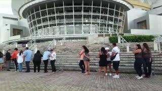 Tranquilo el ambiente en el Choliseo antes del concierto de Daddy Yankee