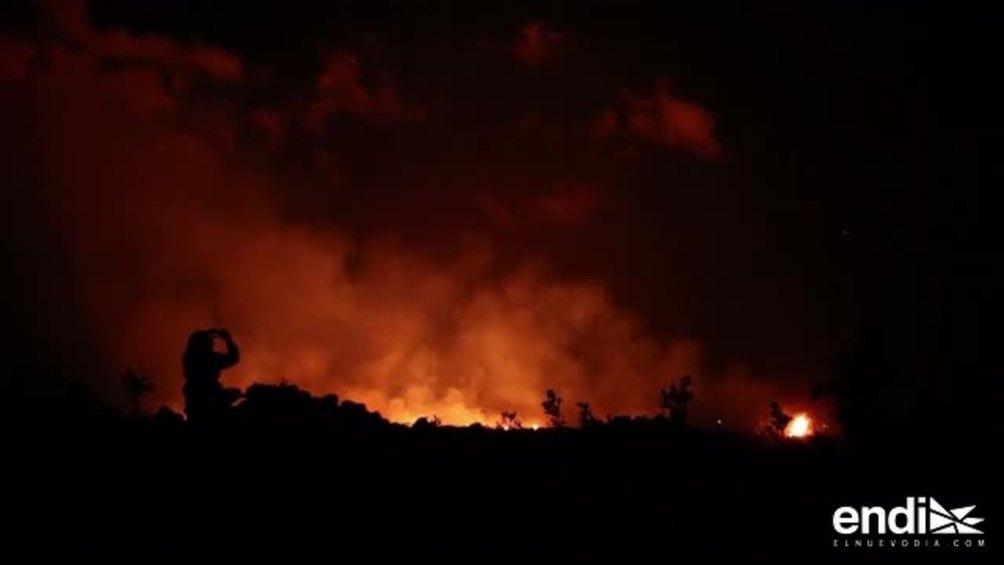Escucha el cantar del coquí con la lava del volcán de Hawaii al fondo