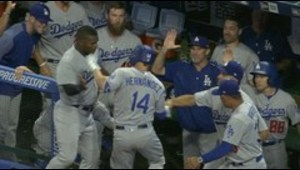 Jonrón de Kike Hernández le da victoria a los Dodgers