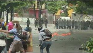 Oposición aumenta presión con huelga en Venezuela