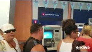Se amanecen personas en el Banco Popular de San Patricio