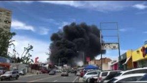 Un negocio se incendia en la avenida Winston Churchill de...