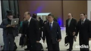 Gobierno y oposición venezolanos extienden negociaciones ...