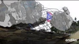 Los vientos enrollaron un techo de cemento y varillas en ...